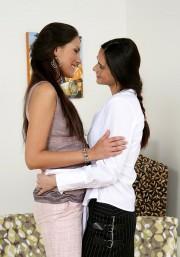 Sapphic Erotica exuberant lesbian girls