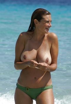 Busty women 15 (beach special)