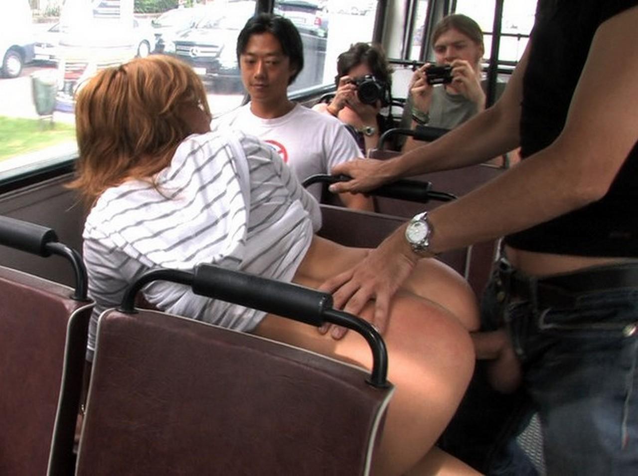Смотреть порно в автобусе новинка 10 фотография