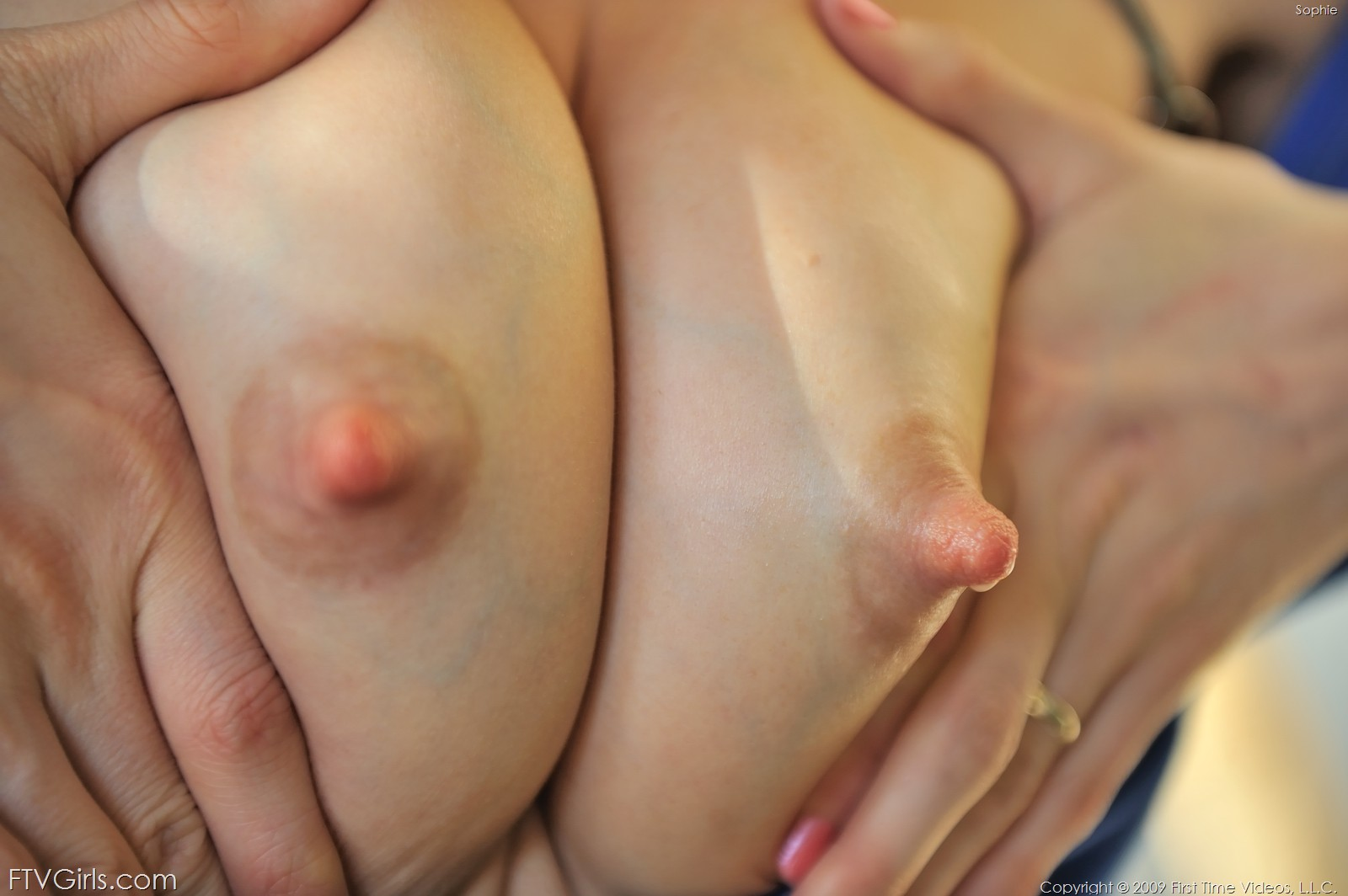 Фото сосков и груди крупным планом 12 фотография