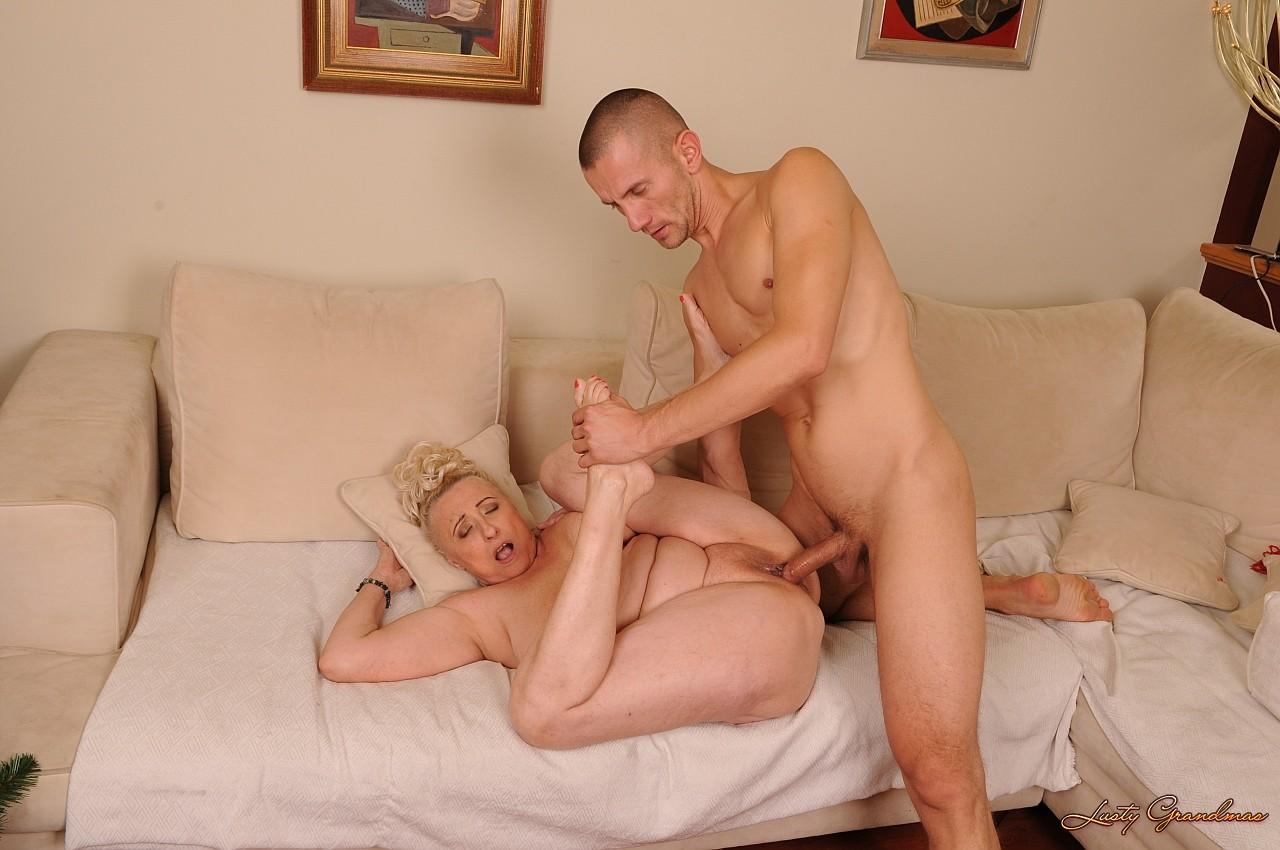 Секс со зрелой тёткай 23 фотография