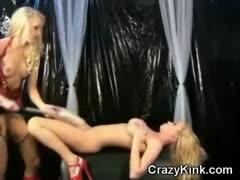 kinky-lesbian-babes-in-latex