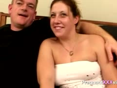 amateur-fucks-his-pregnant-wife