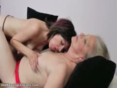 old-and-young-lesbians-get-horny-making-part4