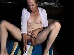 granny-masturbates-to-orgasm