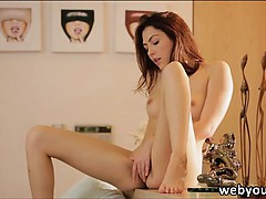 cassie-laine-plays-her-own-pussy