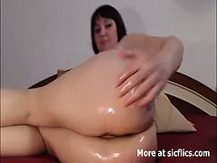 Extreem anaal fisten en een geil pissend kutje