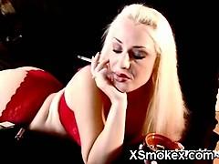 sexy-smoking-girl-xxx-makeout
