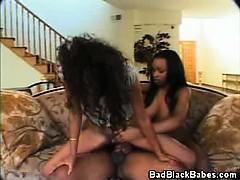 ebony-babes-threesome