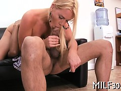 mature-babe-with-a-horny-twat