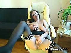secretary-strips-off-suit