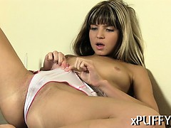 stuffing-vagina-with-pearl-beads