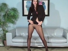voluptuous-beauty-in-pantyhose
