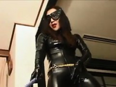 asian-dominatrix-in-leather