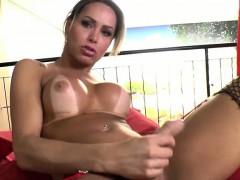 gorgeous-tgirl-rakel-reaches-her-orgasm