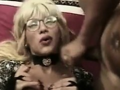 blonde-shemale-getting-fucked