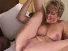 housewife-gets-a-creampie