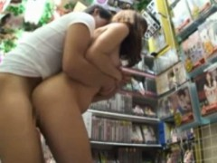 publicsex-oriental-fucked-in-a-store