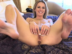 natasha-strips-off-her-undies-and-gets-feet-worshipped
