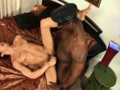 hot-white-guy-gets-pumped-by-a-beefy-black-guy
