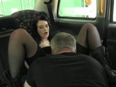 black-haired-amateur-chick-in-boots-nailed-by-fraud-driver