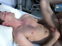 Gaysex Muscle Hunks Gets Assfull Of Cock