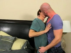 gay-fuck-he-calls-the-skimpy-guy-over-to-his-building-after