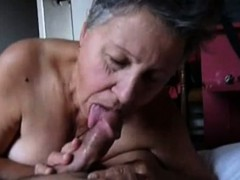 homeamde-video-granny-gives-a-head