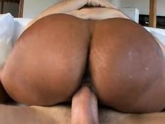 horny-girlfriend-homemade-facial