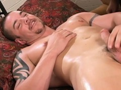 straight-muscular-guy-gets-hj-at-massage