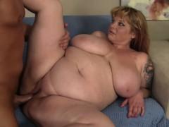 chubby-beauty-kali-kala-lina-is-penetrated