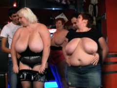 huge-boobs-bbw-have-fun-in-the-bar