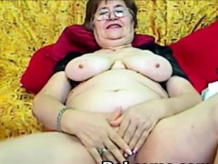real-granny-in-the-webcam