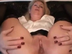 german-mature-loves-anal