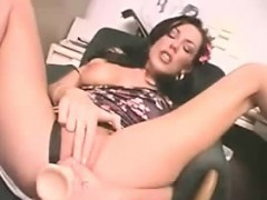 Amateur German Brunette Teen Fuks Her Pussy