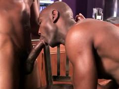 gaysex-interracials-mmm-fun-in-a-bar
