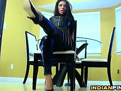 indian-babe-in-leather-pants-being-a-tease