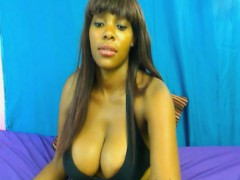 black-dirty-chick-on-webcam