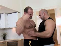 amateur-bear-massages