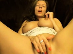 horny-milf-in-private-webcam-chat