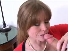 milf-darla-and-riley-has-a-lesbo-affair