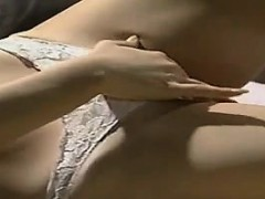 japanese-girl-wants-to-have-sex-on-her-bed