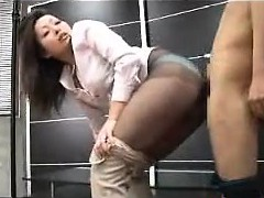 rubbing-her-pantyhose-covered-booty