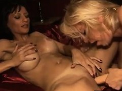 licking-that-dirty-pussy-and-kissing