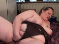 dick-sucking-mature-bbw-fists-her-big-pussy