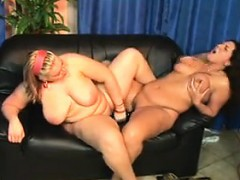 very-fat-lesbians-on-the-black-couch