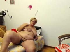 webcam-fun-busty-bbw-granny-chrissy