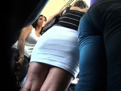 getting-an-upskirt-with-a-new-camera