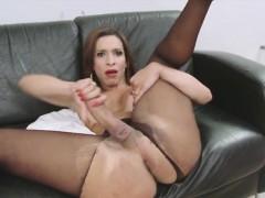 sexy-tranny-babe-gabrielli-bianco-wants-cock