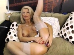blonde-milf-masturbating-sextoy